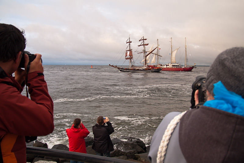 Hanse Sail Rostock Warnemünde Fotografen fotografieren Fotos von Segelschiffen an der Mole